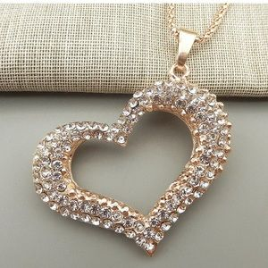 Just in! NEW Crystal Heart Pendant & Chain!!